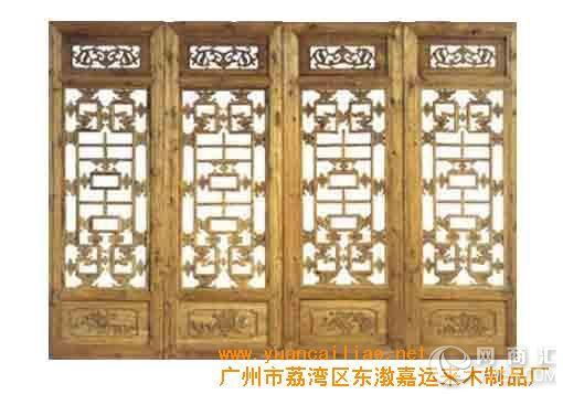 传统中式或者新中式风格装修中经常采用花格木雕
