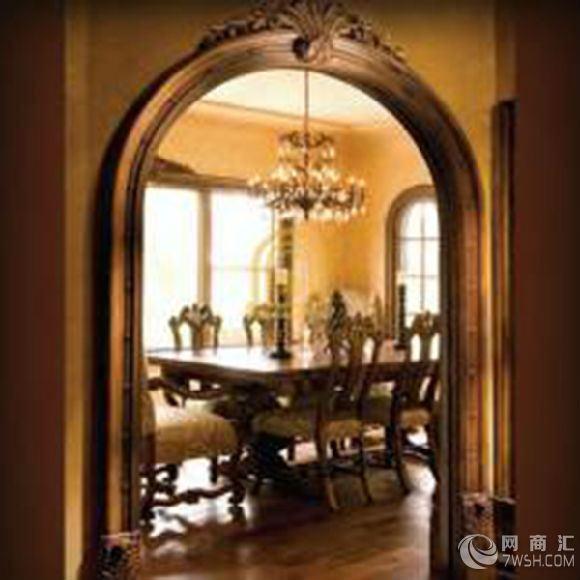 北京欧式垭口定制,不安装门的门口就叫垭口。在室内装饰中,垭口也被称作为用于包墙的饰面板材。类似于门套,但在结构上又有区别:垭口一般做成平板,起装饰和护墙作用;而门套因要安装门,在侧面会有一个高低落差的门垛。  现在很多商家之所以会把空门套、窗套、垭口混为一谈,是因为它们的施工工艺和结构虽然不一样,但都是起装饰作用,顾客只看到了表面,对内在结构根本不了解,因此材料商可以从中获取更大的利润。580)