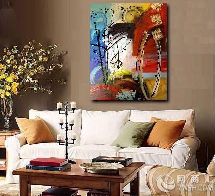 三维空间的艺术品,它虽不是室内环境中必须的陈设品