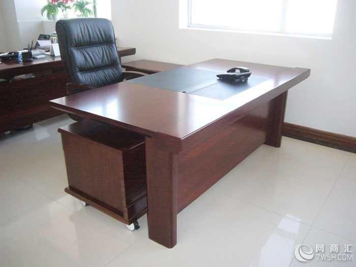 实木大班台办公桌总裁老板桌贴木皮大班桌定做厂家