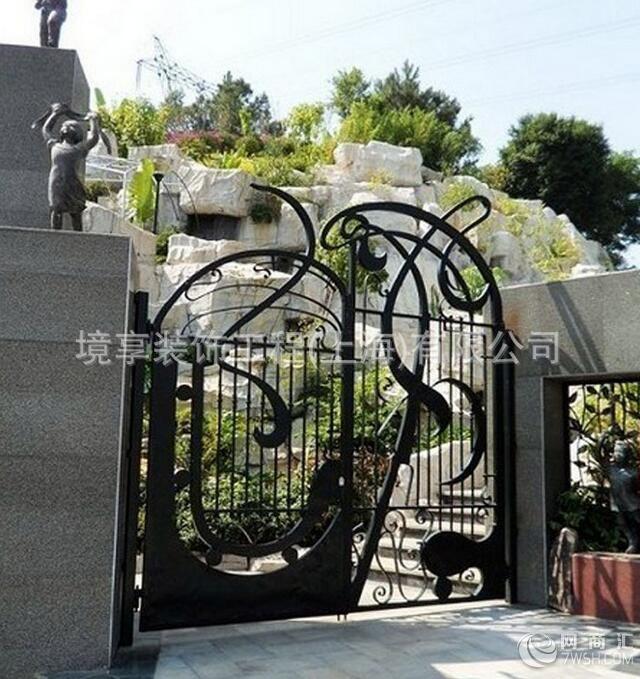 【上海欧式铁艺大门 别墅庭院设计绿化